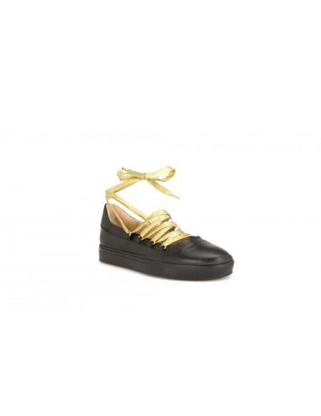 TRENTA7 Sneakers in Vitello con Lacci di Vari Colori Intercambiabili