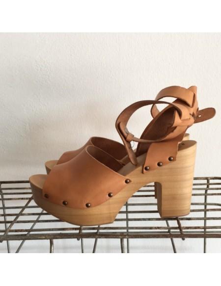Zoccolo Antidoti Color Cuoio con Cinturino alla Caviglia